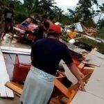 Puluhan rumah warga Desa Salupao dan Desa Bulolondong, Kecamatan Lamasi Timur, Kabupaten Luwu, rusak parah akibat diterjang angin puting beliung, Senin (15/02/2021) siang.