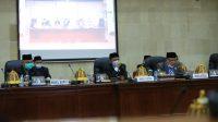 Wakil Ketua II DPRD Lutim, H. Usman Sadiq menjelaskan sejumlah alasan dan dasar argumentasinya dalam sidang paripurna dengan agenda usul pengesahan pemberhentian Wabup Lutim dan usul pengesahan pengangkatan wabup menjadi Bupati Lutim masa jabatan 2021 – 2026